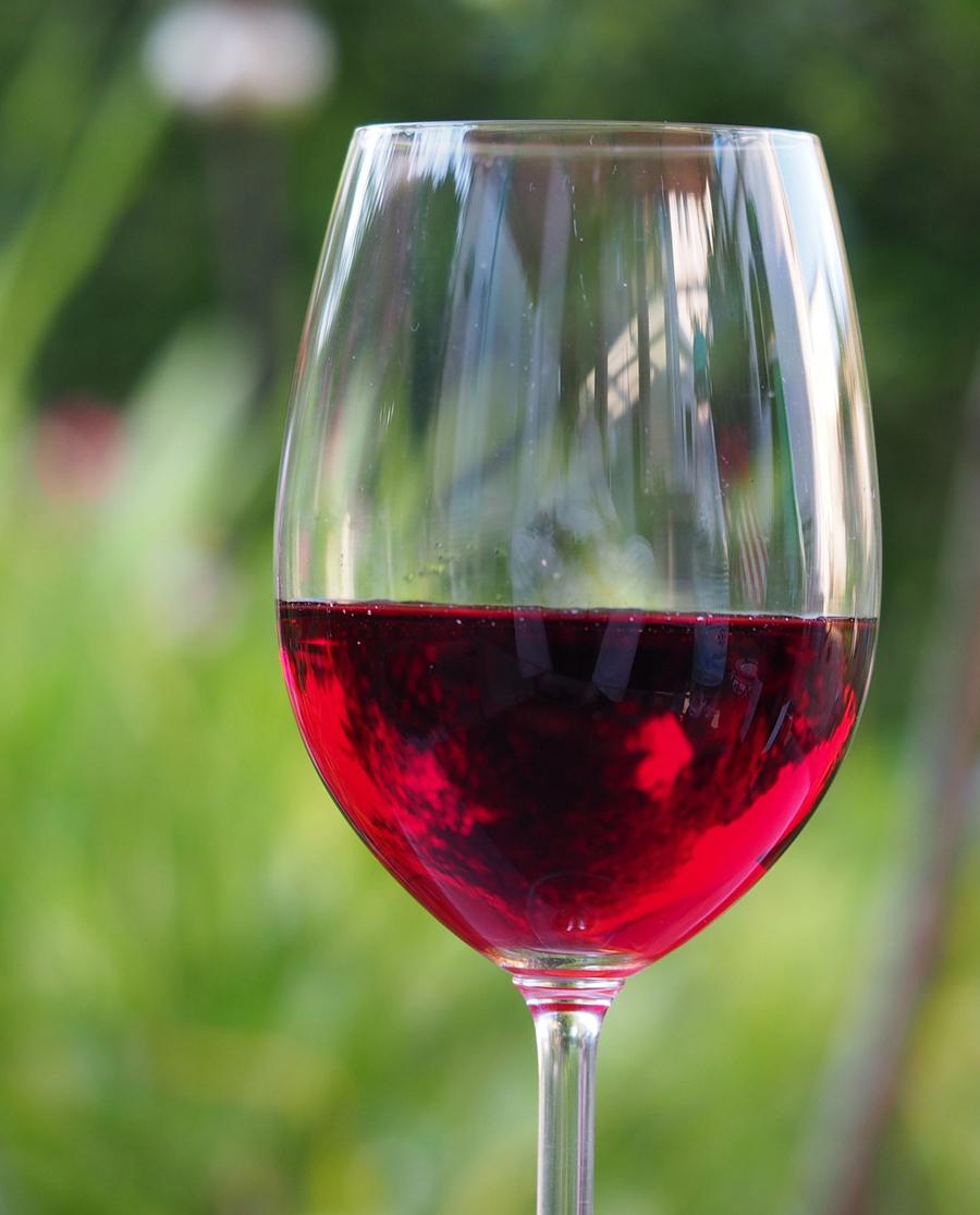Μαύρο Μοσχάτο Κόκκινο Ημίγλυκο Κρασί