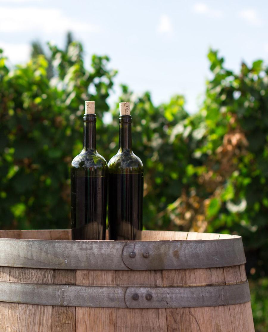 Μανδηλαριά Κόκκινο Ξηρό κρασί Σαντορίνης